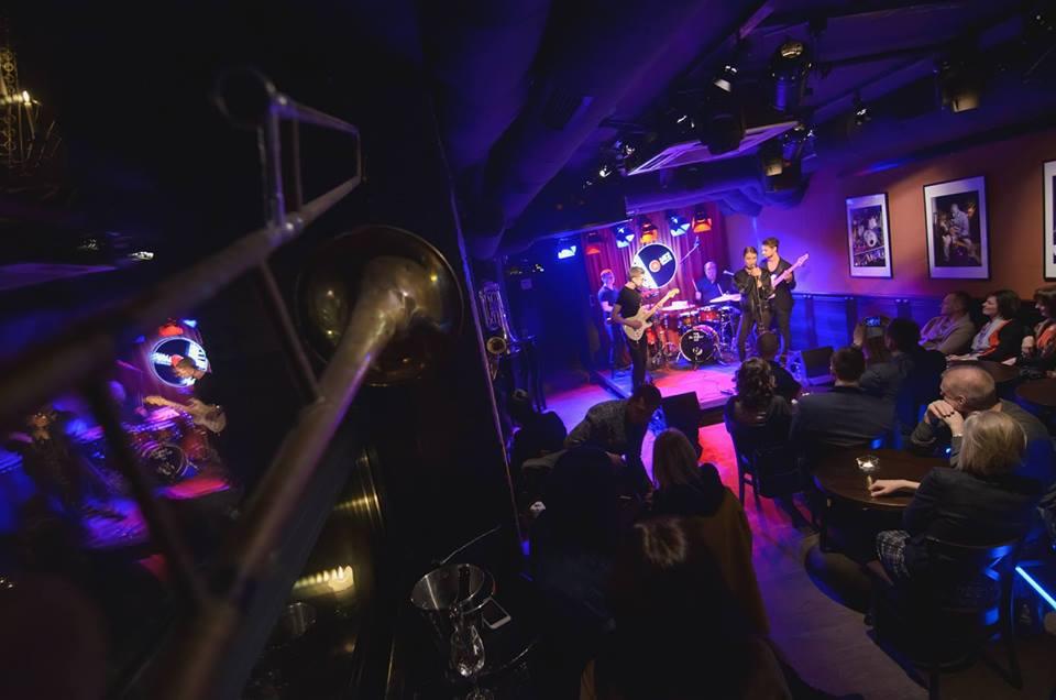 Jazz Cellar 11